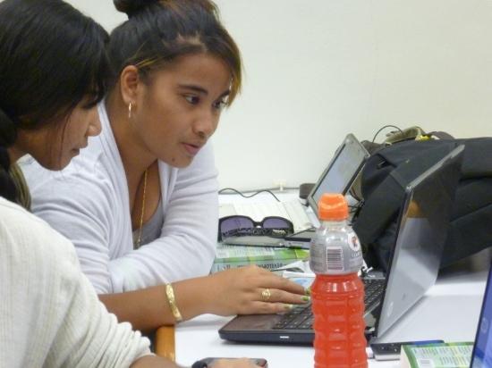 girls-laptops.jpg