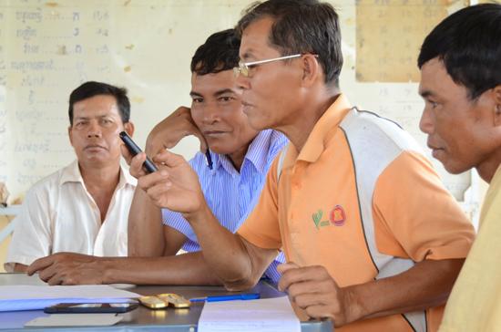 Verboice_users_in_rural_part_of_Cambodia